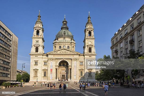 st.stephan's basilica in budapest - emreturanphoto stock pictures, royalty-free photos & images