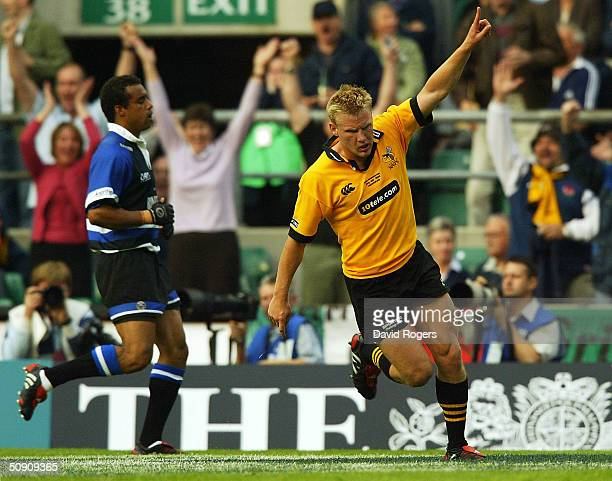 Stuart Abbott, the Wasps centre celebrates after scoring a try during the Zurich Premiership Final between Bath and London Wasps at Twickenham...