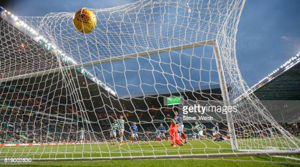 Stuart Armstrong of Celtic scores Celtic's 4th goal during the UEFA Champions League Qualifying Second RoundSecond Leg match between Celtic and...