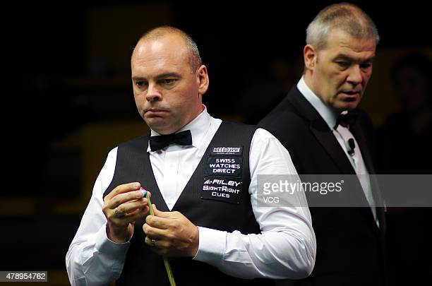 Stuart Bingham of England reacts in the match against Fergal O'Brien of Ireland on day one of 2015 Australian Goldfields Open at Bendigo Stadium on...