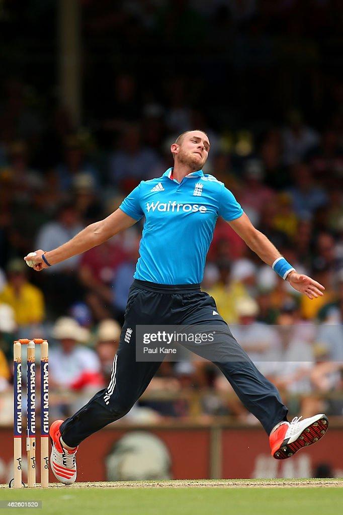 Australia v England: Carlton Mid ODI Tri Series - Final : News Photo