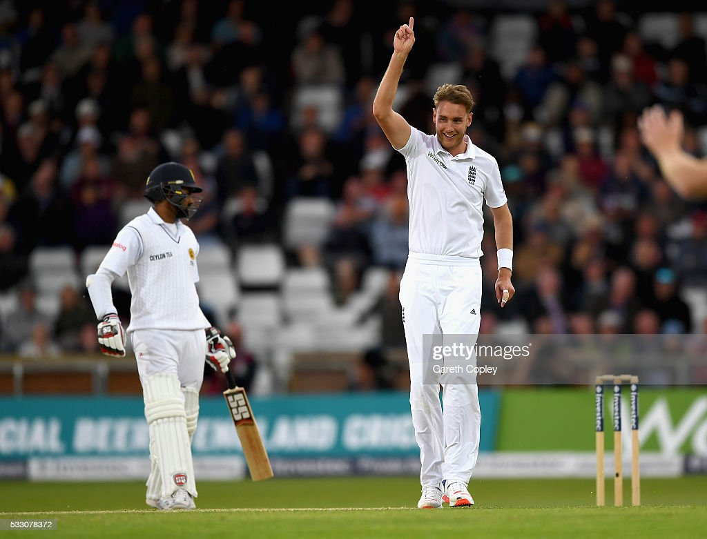 England v Sri Lanka: 1st Investec Test - Day Two : News Photo
