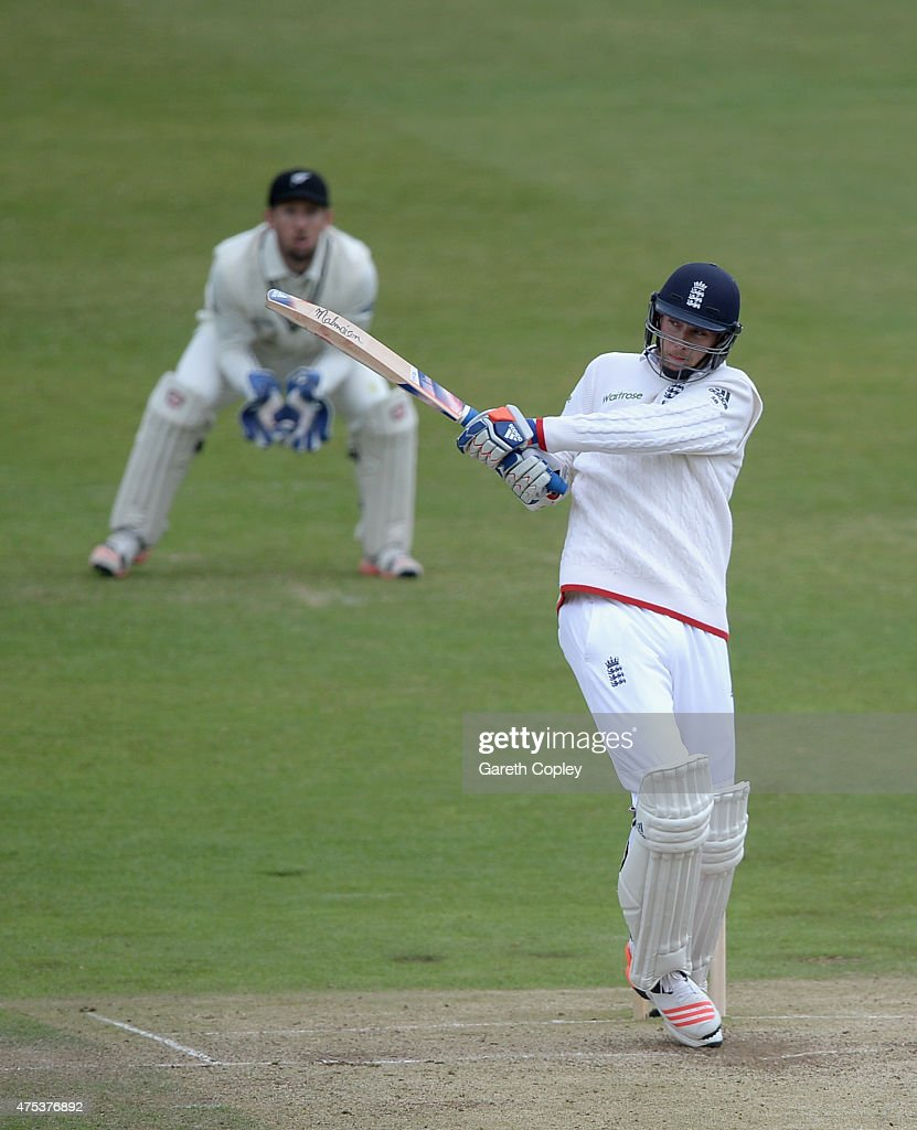 England v New Zealand: 2nd Investec Test - Day Three : News Photo
