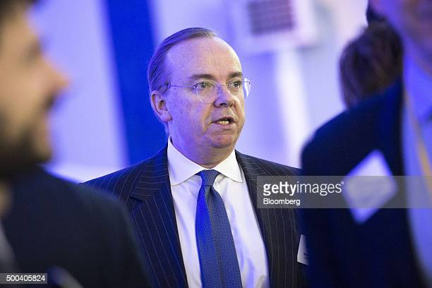 Stuart Gulliver chief executive officer of HSBC Holdings Plc speaks with attendees during the caring for the climate summit at the United Nations...