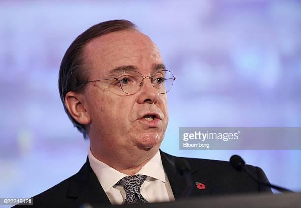 Stuart Gulliver chief executive officer of HSBC Holdings Plc speaks at the HSBC AustraliaChina conference in Sydney Australia on Friday Nov 11 2016...