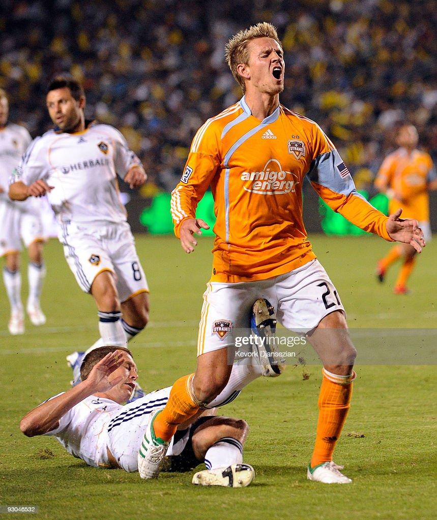 Western Conference Championship - Houston Dynamo v Los Angeles Galaxy