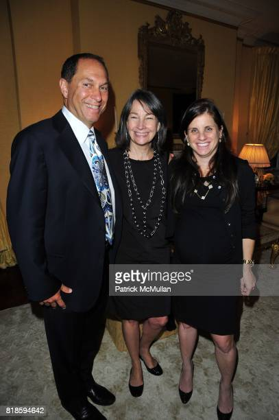 Stuart Match Suna Brooke Garber Naidich and Deborah Perelman attend Dinner party to celebrate The Child Mind Institute's 2010 Adam Jeffrey Katz...