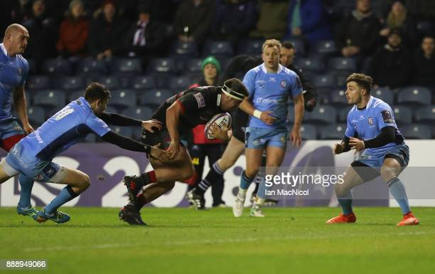 Stuart McInally of Edinburgh breaks away to score the opening try during the European Rugby Challenge Cup match between Edinburgh and London Irish on...