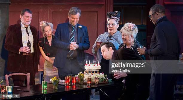 Stuart Milligan as Ted Sinead Matthews as Jane Simon Shepherd as Tom Naomi Wirthner as Annette Josh Hamilton as Robert Anna CalderMarshall as Nellie...