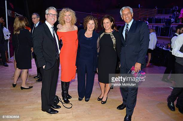 Stuart Smith Gail Becker Lynda Torres Betsy Stark and John Torres attend The NYSCF Gala Science Fair at Jazz at Lincoln Center on October 20 2016 in...