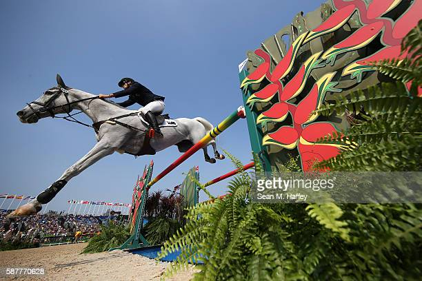 Stuart Tinney of Australia riding Pluto Mio during the eventing team jumping final and individual qualifier on Day 4 of the Rio 2016 Olympic Games at...