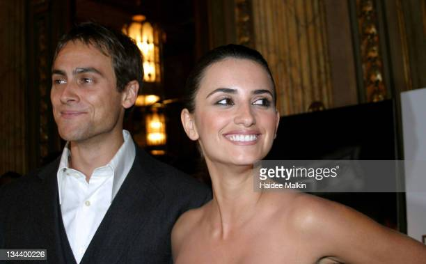 Stuart Townsend and Penelope Cruz during 2004 Toronto International Film Festival 'Head in the Clouds' Premiere Afterparty at Elgin Theatre in...