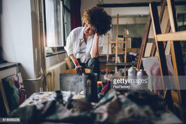 Student an der Kunst-Atelier