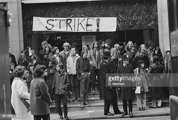 Student demonstration outside the London School of Economics and Political Science against the Government's plan to reform the finances of the...