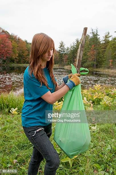 Student doing Volunteer Cleanup