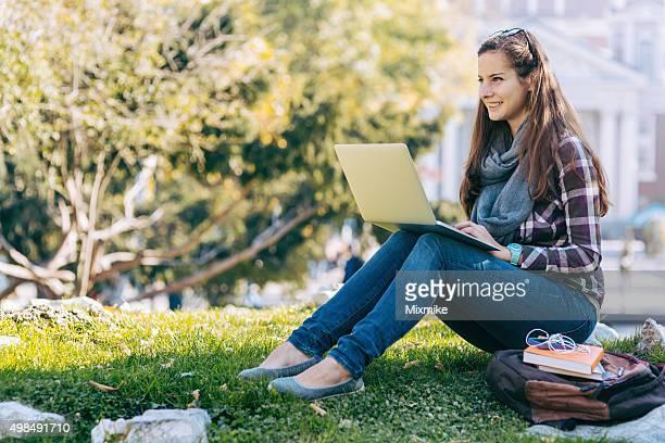 Student Mädchen im campus