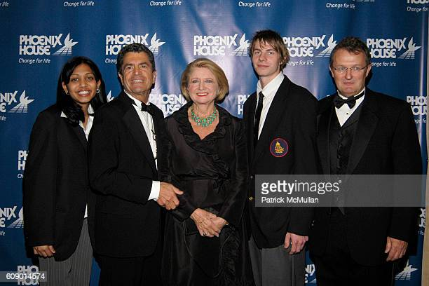 Student Mitchell S Rosenthal Shirley Lord Mike Robin and Howard Meitiner attend PHOENIX HOUSE Fashion Awards at Pierre Hotel on May 1 2007 in New...