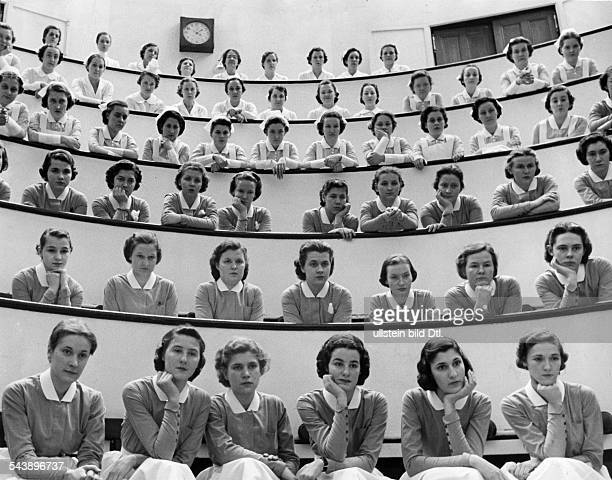 USA Student Nurses and novices watching an appendectomy Photographer Alfred Eisenstaedt Published by 'Koralle' 16/1938Vintage property of ullstein...