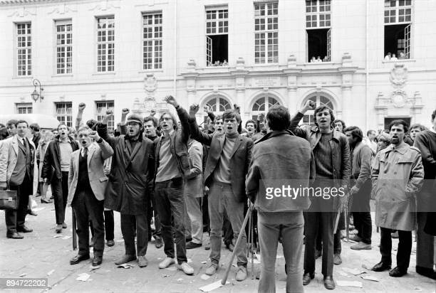 Student protesters take part to a demonstration at La Sorbonne on May 3 during the May 1968 events in France / AFP PHOTO /