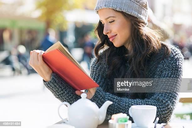 Student lesen eine notebook