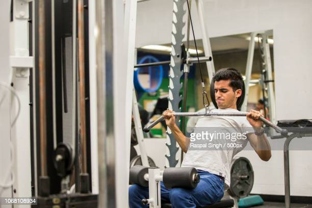 student working out in gym, lambton college, ontario, canada - サルニア ストックフォトと画像
