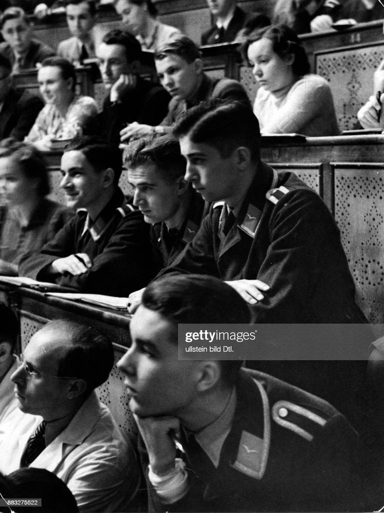 2. Weltkrieg: Studenten der Anatomie Pictures | Getty Images
