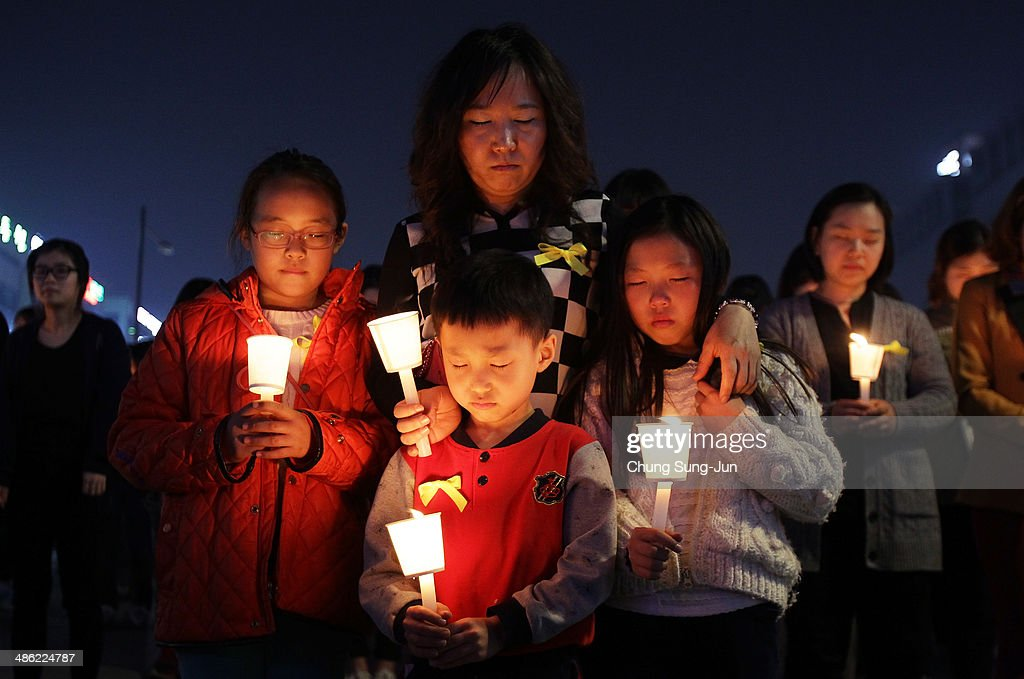 Families Mourn Loss At Group Memorial Altar In Ansan : News Photo
