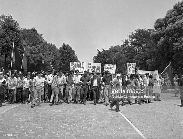 A students and workers sit in demonstration against the Biennale Giardini Venice 1968