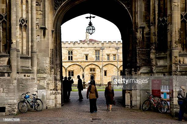 students at oxford university - oxford england stock pictures, royalty-free photos & images