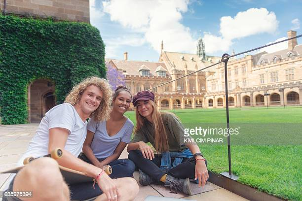 students at the campus - university of sydney stock pictures, royalty-free photos & images