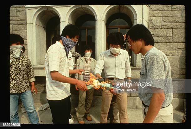 Students demonstrate for democratic reform in Korea