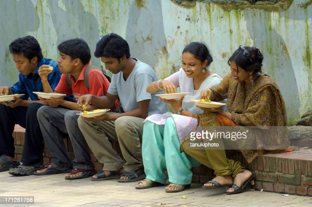 students eating - dhaka stock pictures, royalty-free photos & images