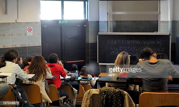 Students follow a lesson at the Roma Tre university on November 7 2012 in Rome About 870 teachers are working in the eight faculties of the...