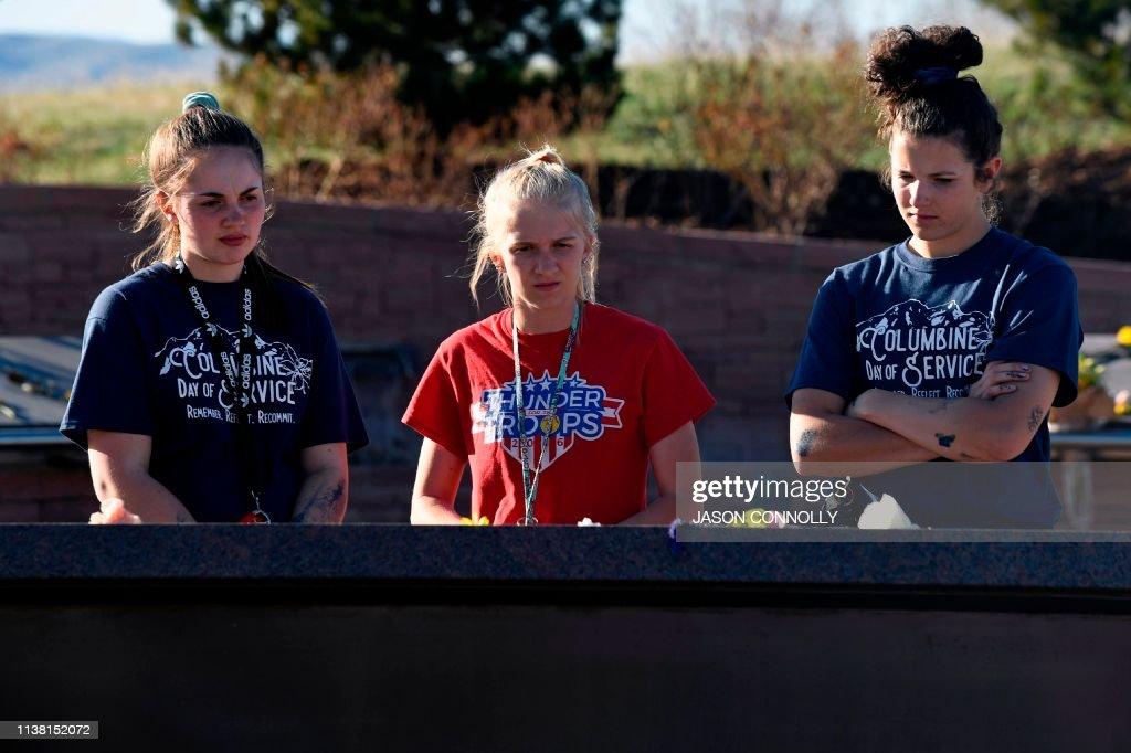 US-SCHOOL-SHOOTING-COLUMBINE : News Photo