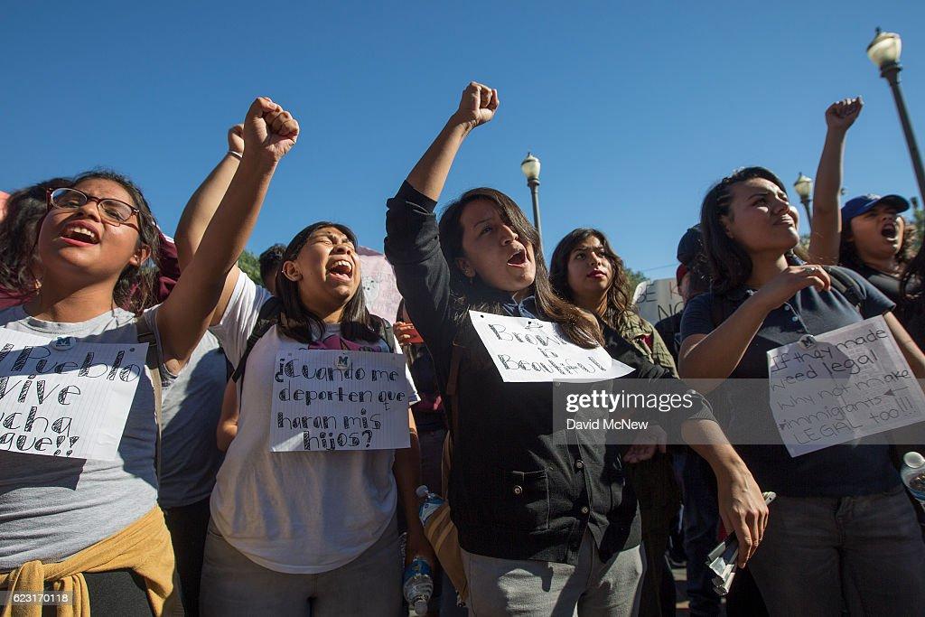 Los Angeles Area Students Organize Large Anti-Trump Protest : News Photo