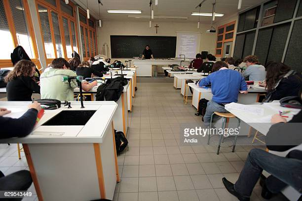 Students in a classroom at the 'lycee prive Saint Francois de Sales' private secondary / high school in Troyes Science math and physics lesson in a...