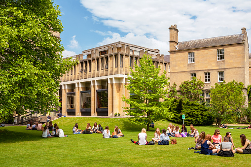 Students in Balliol College. Oxford, England - gettyimageskorea