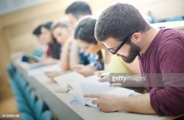 students in class. - imparare foto e immagini stock