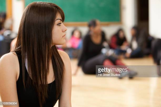 students in dance class - rehearsal stock pictures, royalty-free photos & images
