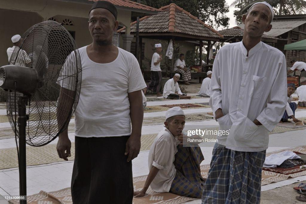 Malaysian Muslims Observe Ramadan Amid The Coronavirus Pandemic : News Photo