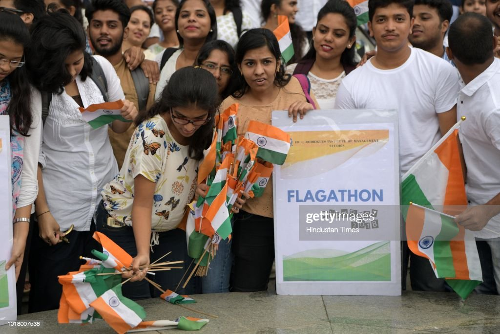 Mumbai Students Collect Flags From The Streets