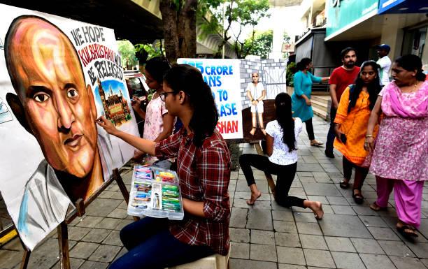 IND: Art Students Support Kulbushan Jadhav