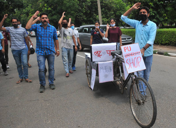 IND: Panjab University Students Protest Against Fee Hike