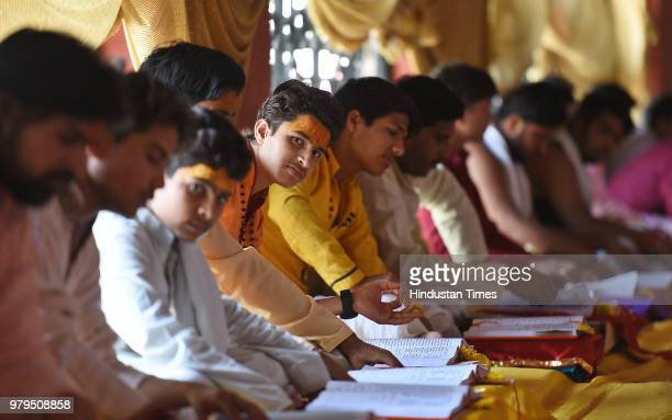 Students of Sadhu Laxman Das at Ram Mandir Ashram on June 5 2018 Indore India One cannot become an ascetic because one has lost in one kind of life...