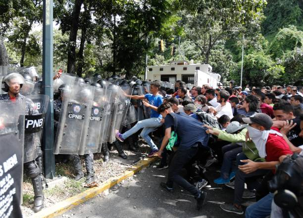 VEN: Students Clash With Police After Meeting With Juan Guaido