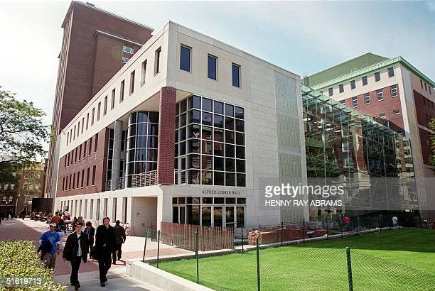Students on the New York City campus of Columbia University 08 Octber 1999 walk past Alfred Lerner Hall the 85 million USD student center which was...