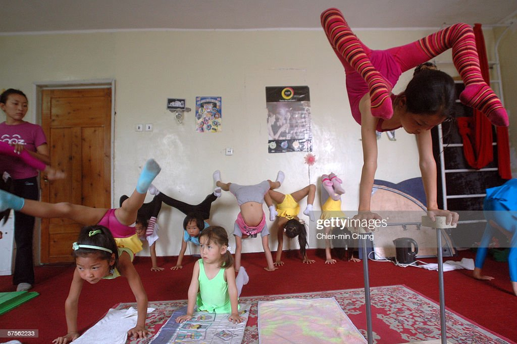 The Mongolian Dream Circuss contortionist in action