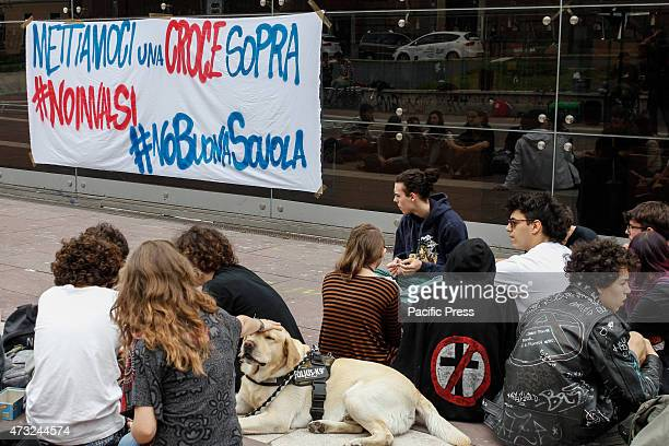 Students presidium against Good School of Renzi Government and Invalsi evidence a method of evaluation to crosses which should provide statistics but...