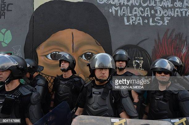 TOPSHOT Students protest against the country's latest round of transport fare hikes in Sao Paulo Brazil on January 8 2016 Amid a marked economic...