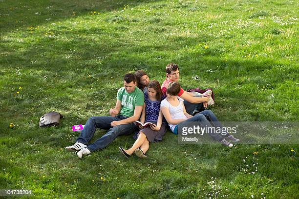 students studying outdoors - oberbayern stock-fotos und bilder